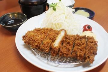 和食レストラン 銀の鈴