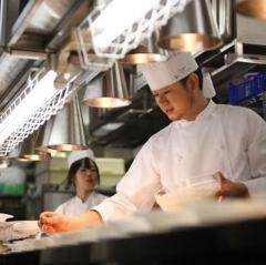 料理長 工藤 和也(くどう かずや)