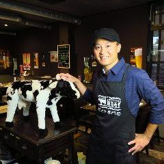 お肉マイスター兼店長 高橋 圭祐(たかはし けいすけ)