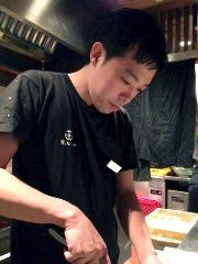 料理長兼店長 稲餅 大輔(いなもち だいすけ)