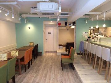 Milk crown cafe&bar ミルク クラウン カフェ アンド バー
