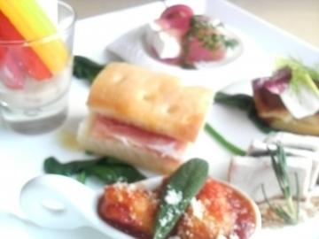 イタリアンキッチン・ア・ターヴォラ