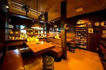 珈琲館サルビア 本店