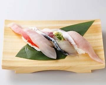 日本初の流れ鮨 沼津魚がし鮨 image