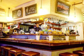 小さなワイン食堂タブリエ