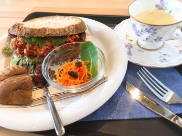 sandwich&herb tea THYME