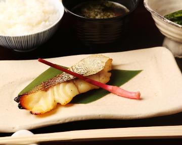 日本料理 徳