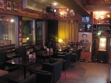 Cafe Bar MUSICIAN
