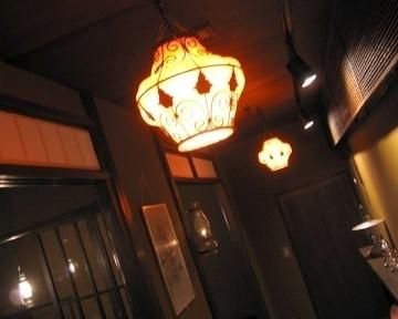 ランプのカフェ るりはり