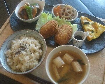 coco cafe (ココ カフェ)