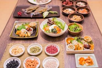 旬菜と韓国家庭料理 ぴなり