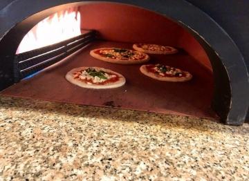 Tavrna e Pizzeria Salute